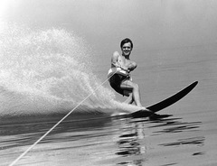 00059-Waterskiing - Copy.jpg